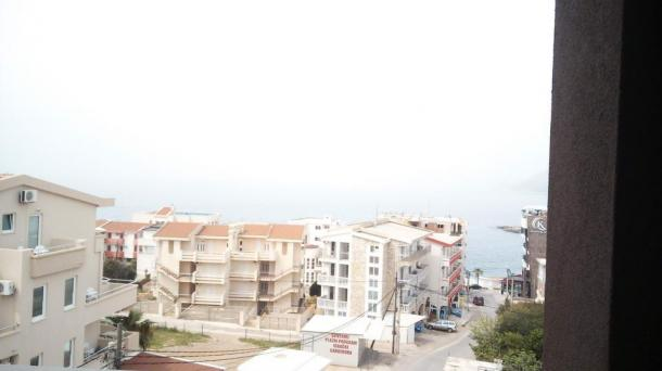 Apartments in Dobra Voda
